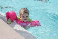 Vhodné a nevhodné pomůcky pro děti na plavání