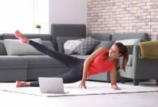 Efektivní cvičení na doma: Karanténa nemusí znamenat nulový pohyb